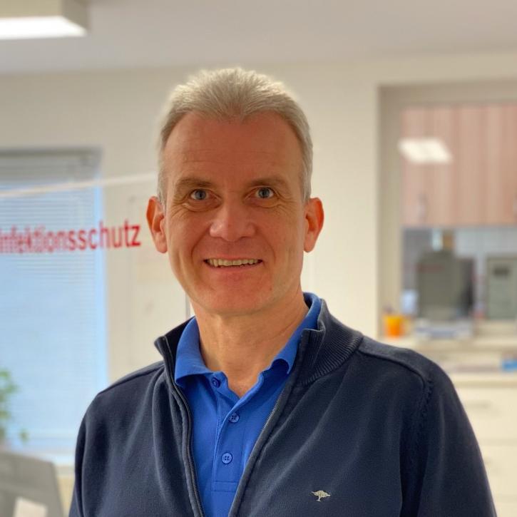 Dr. med. Ulf Basting-Neumann